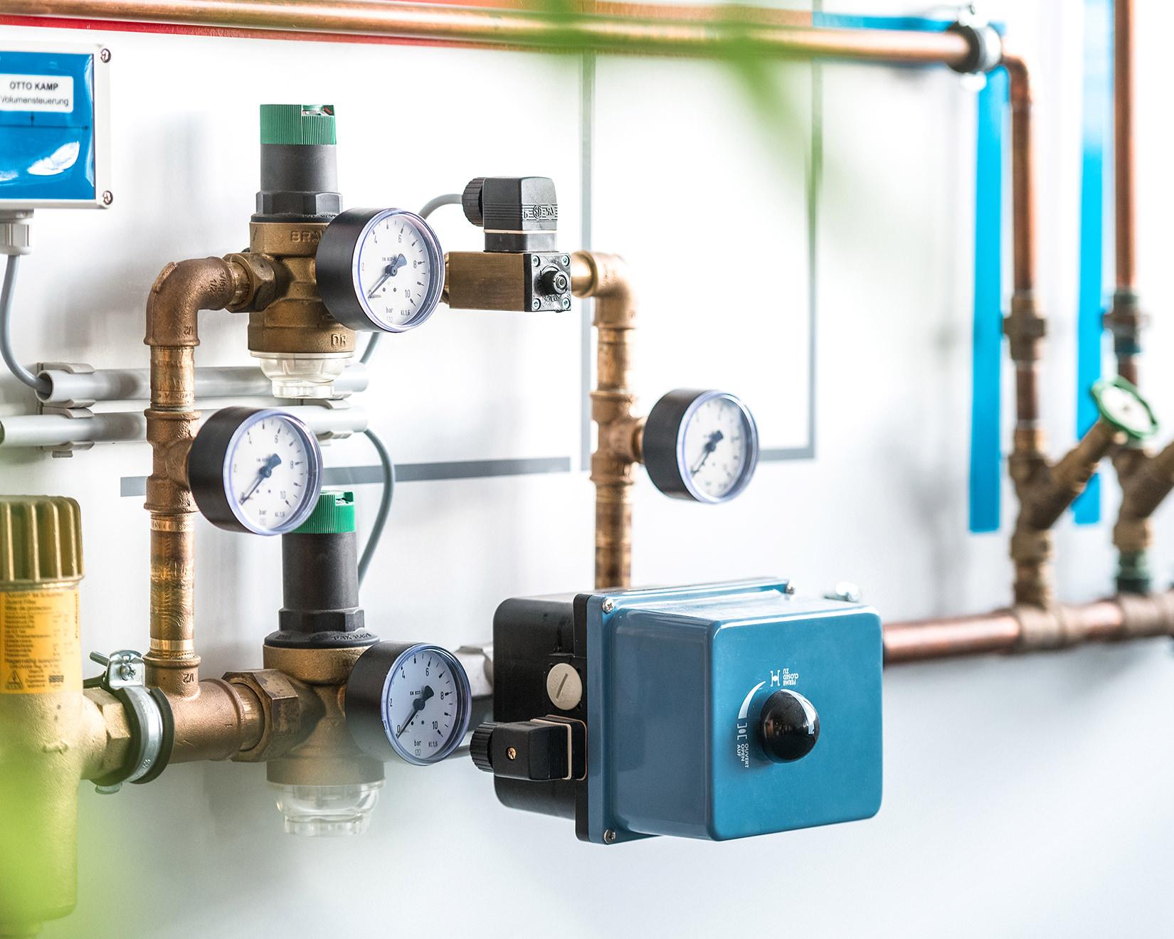 Bevorzugt Reinigung und Wartung für saubere Wasserleitungen und Trinkwasser. RA14